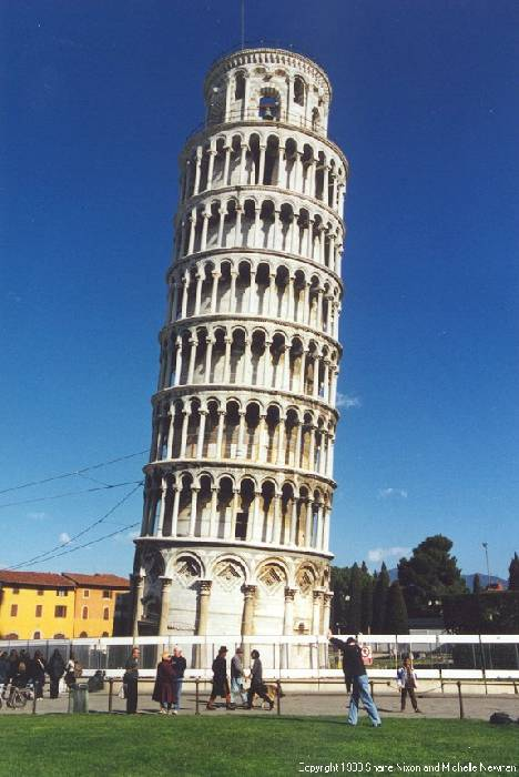description of pisa italy essay